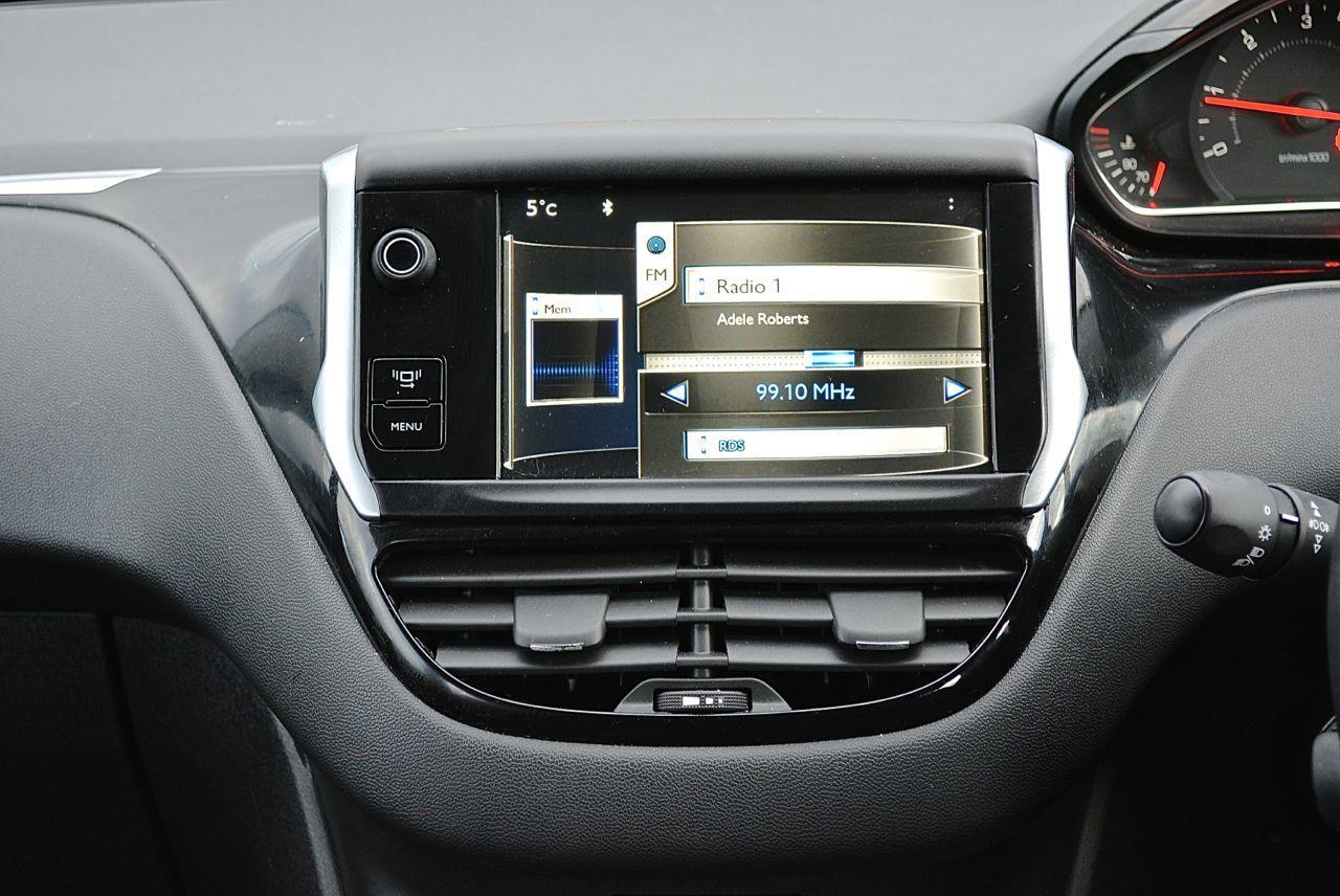 Peugeot 208 Guaranteed Car Finance  9