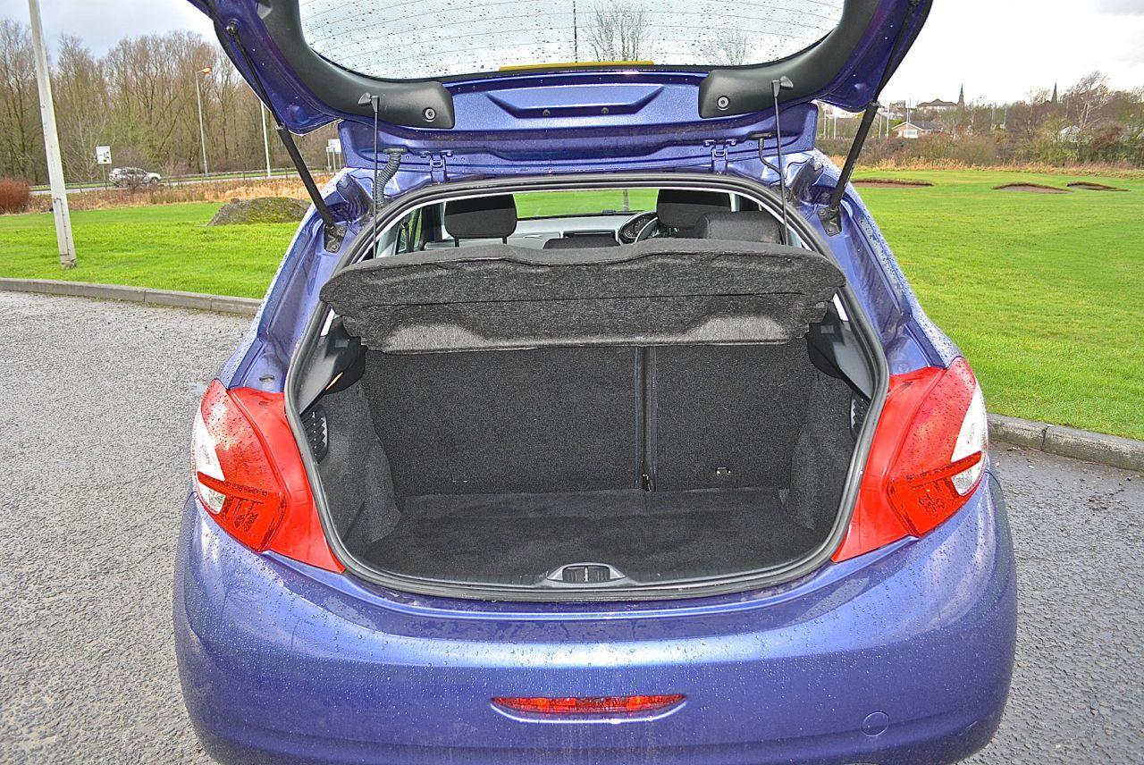Peugeot 208 Guaranteed Car Finance 18